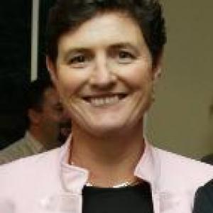 Ms Lisa Mills